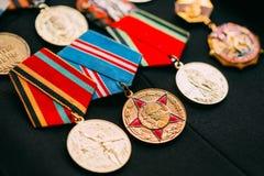 Verjaardagsmedailles van een Victory In The Great Patriotic-Oorlog stock fotografie