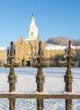 Verjas en nieve fuera del asilo loco transporte-Allegheny Fotografía de archivo
