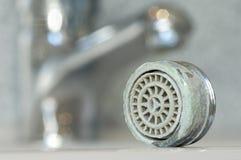 Verkalkter Wasserhahn lizenzfreie stockfotografie