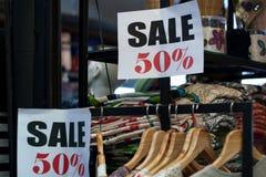 Verkauf 50% im siamesischen System Stockbild