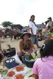 Verkauf der Gewürze und der Kräuter an einem traditionellen Markt in Lombok Indonesien Stockfotografie