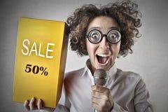Verkauf der jungen Frau Stockfotografie