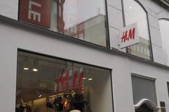 VERKAUF 70% AN DER SCHWEDISCHEN EINZELHANDELSKETTE H&M Stockfotografie