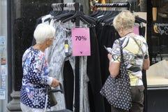 70% Verkauf am Einzelhandelsgeschäft Stockfotos