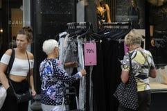 70% Verkauf am Einzelhandelsgeschäft Lizenzfreie Stockfotos