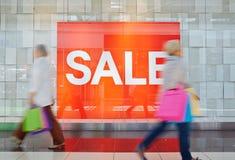 Verkauf im Einkaufszentrum Stockbild