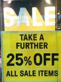 Verkauf kennzeichnen innen Systemfenster Stockbilder