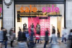 Verkauf kennzeichnet innen Systemfenster Lizenzfreie Stockfotos