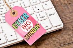 Verkaufs-Montag-Aufkleber des Cyber großer Lizenzfreie Stockfotografie