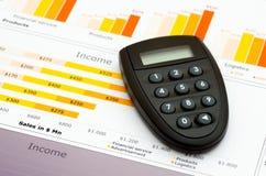 Verkaufsbericht in den Statistiken Stockfotos