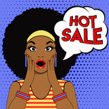 Verkaufsblasenpop-art überraschtes Afrofrauengesicht Stockfotografie