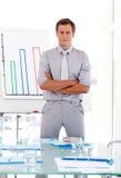 Verkaufsleiter, der Abbildungen vorlegt Lizenzfreie Stockfotografie