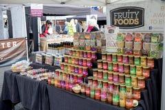 Verkaufsware am Farnham-Lebensmittel-Festival Stockfoto