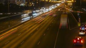 Verkeer, avond en nachtscène stock videobeelden