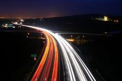 Verkeer bij nacht Stock Foto's