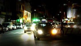 Verkeer bij Nacht in Buenos aires stock footage