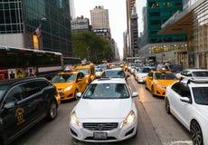 Verkeer in de Stad van New York Stock Foto's