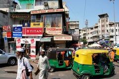 Verkeer in Delhi Stock Afbeeldingen