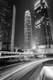 Verkeer door de stad in in Hongkong Royalty-vrije Stock Foto's