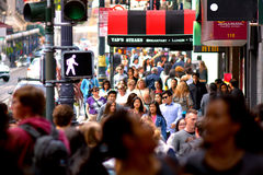 Verkeer in Financieel District van San Francisco CA Stock Foto's