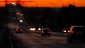 Verkeer het drijven over de brug van Astrakan stock footage