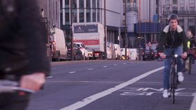 Verkeer in Londen stock footage