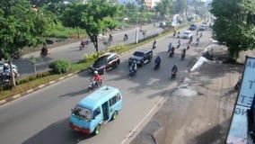 Verkeer in Makassar, Indonesië stock videobeelden