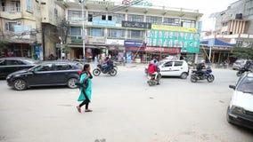 Verkeer in Nepal stock footage