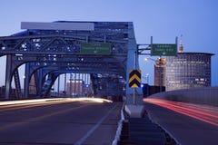 Verkeer op de brug Royalty-vrije Stock Afbeeldingen