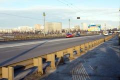 Verkeer op de brug Stock Afbeelding