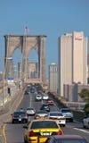Verkeer op de Brug van Brooklyn Stock Afbeelding
