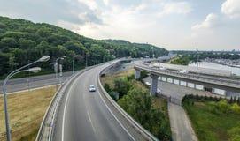Verkeer op het Viaduct Stock Foto