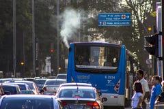 Verkeer op Paulista-Weg Royalty-vrije Stock Foto's