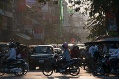 Verkeer in Phnom Penh, Kambodja Stock Foto