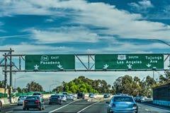 Verkeer in snelweg 101 Stock Foto's