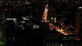 Verkeer van Bangkok in de nacht stock footage