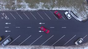 Verkeerde manier van auto stock video