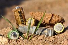 Verkeerde verwijdering van batterijen Royalty-vrije Stock Foto's