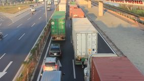 Verkeerscongestie door ongevallen stock footage