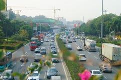 Verkeerslandschap in Shenzhen-sectie van Nationale Weg 107 Royalty-vrije Stock Fotografie