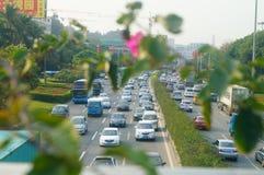 Verkeerslandschap in Shenzhen-sectie van Nationale Weg 107 Stock Foto's