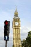 Verkeerslicht & de Big Ben Stock Foto's
