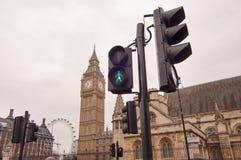 Verkeerslicht bij het Parlement vierkant, Londen Stock Afbeeldingen