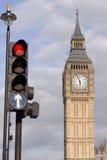 Verkeerslichten en de Big Ben Stock Foto