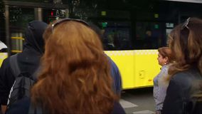 Verkeerslichten in Istanboel stock video