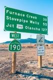 Verkeersteken in de Doodsvallei - het Wegwesten 190 Royalty-vrije Stock Foto