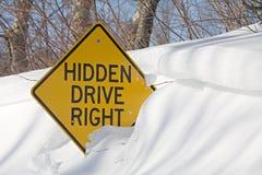 Verkeersteken in de winter Royalty-vrije Stock Afbeeldingen