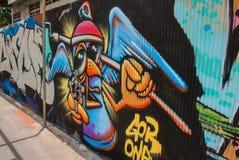 Verkeersteken in Hosier Lane Melbourne Schilderijen op het gegalvaniseerde ijzer Stock Foto's
