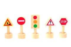 Verkeersteken op witte achtergrond worden geïsoleerd die Toy Traffic Royalty-vrije Stock Foto