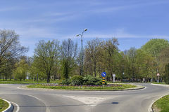 Verkeersteken in rotondeverbinding Stock Foto's